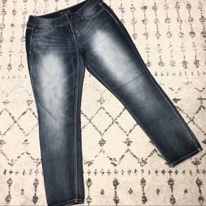 Maurices Skinny Jeans size Large Short